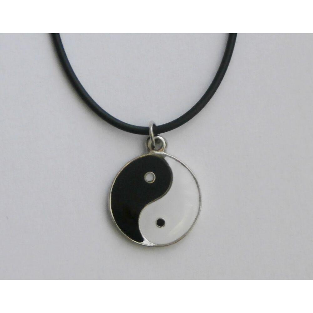 Yin-yang medálos lánc