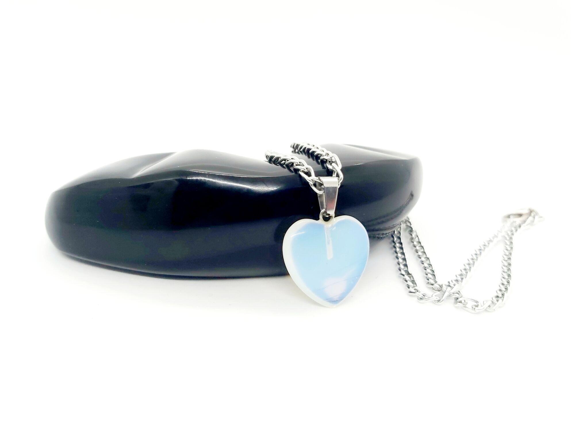 Opalit szív medál